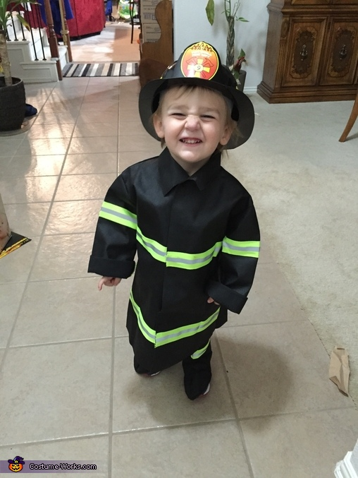 I Wanna Ride on a Fire Truck!, Lil' Heroes Costume