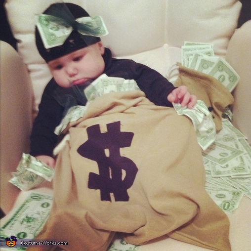 I'm in the money, Lil Money Bag Costume