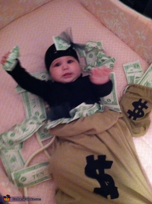 Money!, Lil Money Bag Costume