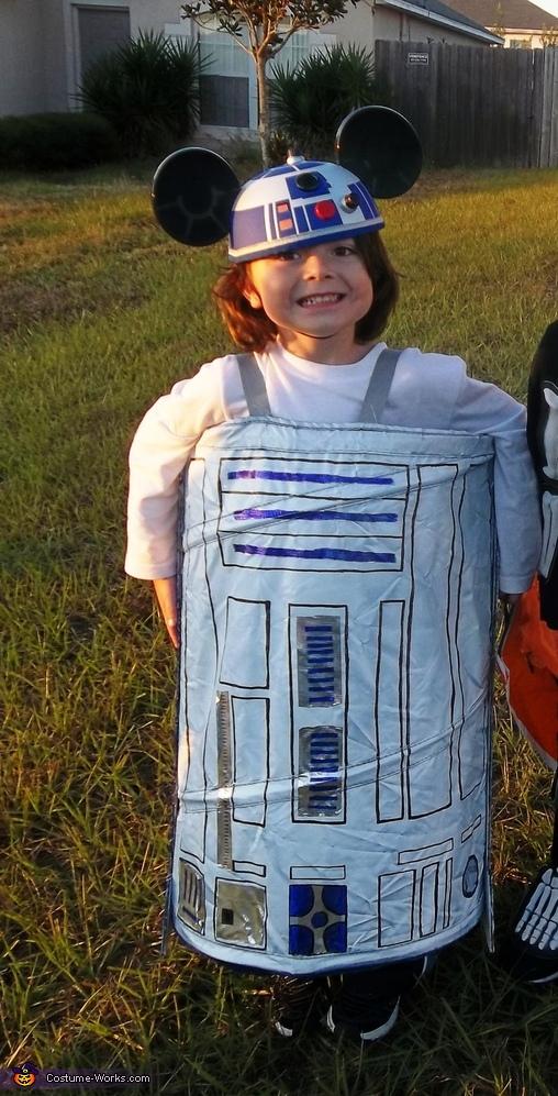 R2-D2, R2-D2 Costume