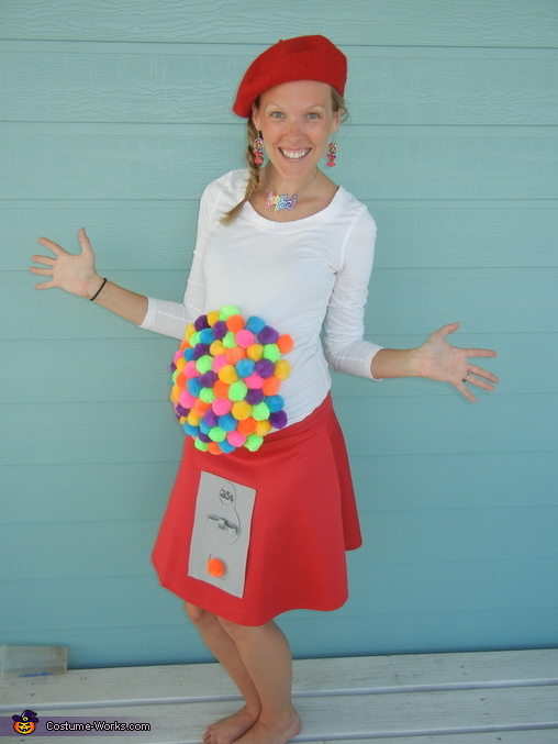 Mama as Lisa Frank Gumball Machine, Lisa Frank Crew Costume