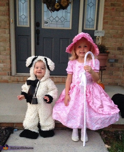 Little Bo Peep and her Cute Little Sheep Costume