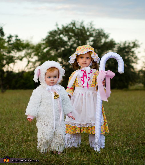 Little Bo Peep and her Sheep Costume  sc 1 st  Costume Works & Little Bo Peep and her Sheep Halloween Costumes