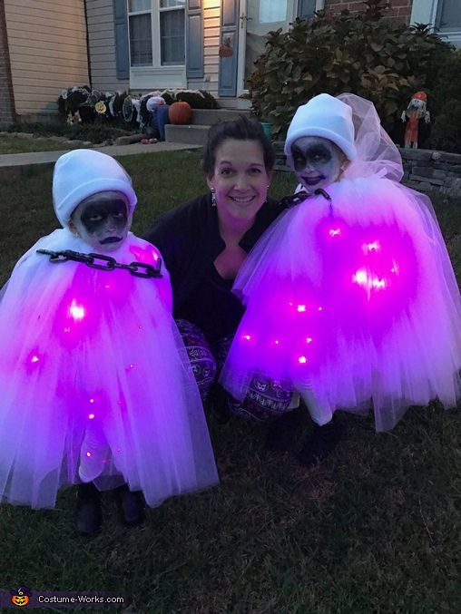 Mommy and her Little Ghosts, Little Ghosts Costume