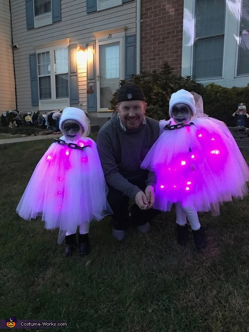 Daddy and his Little Ghosts, Little Ghosts Costume
