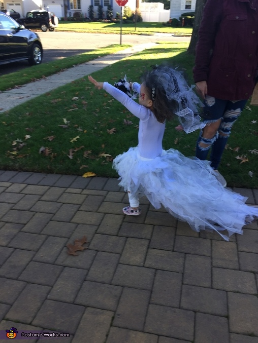 Down the alter she goes, Little Miss Zombie Bride Costume