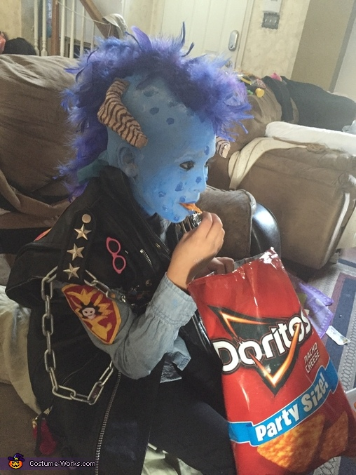 Maurice eating Doritos, Maurice from Little Monsters Costume