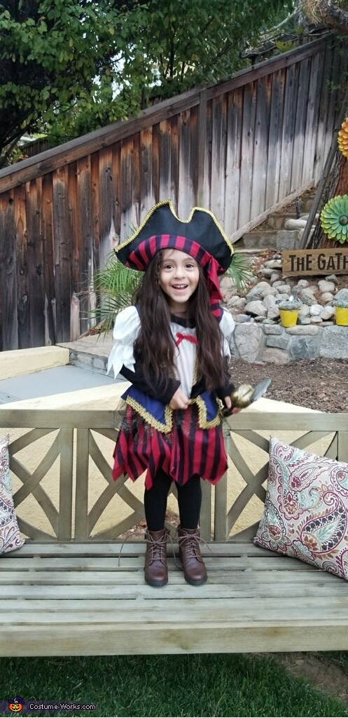 Aria, Little Pirates Costume