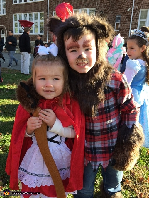 Little Red and wolf, Little Red and Her Wolves Costume