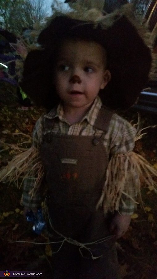 DIY Little Scarecrow Costume for Boy