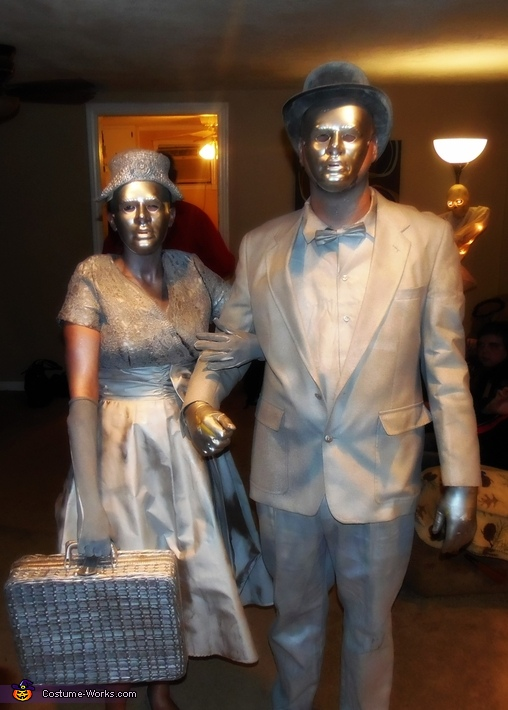 Spray Paint Mask >> Living Statues Halloween Costume - Photo 2/2