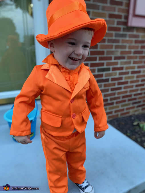 Lloyd cheesin hard after getting candy!, Lloyd from Dumb and Dumber Costume