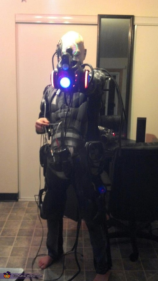 75% complete. Showing off the gun and the Cyclonic holigraphic LED gun scope., Locutus of Borg Costume