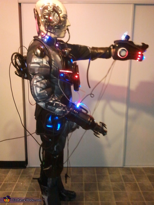 85% complete. Side view. This was before I had the isound speaker amp attached to the back of my head, and  the other 2 power banks I was still waiting in the mail for! (, Locutus of Borg Costume