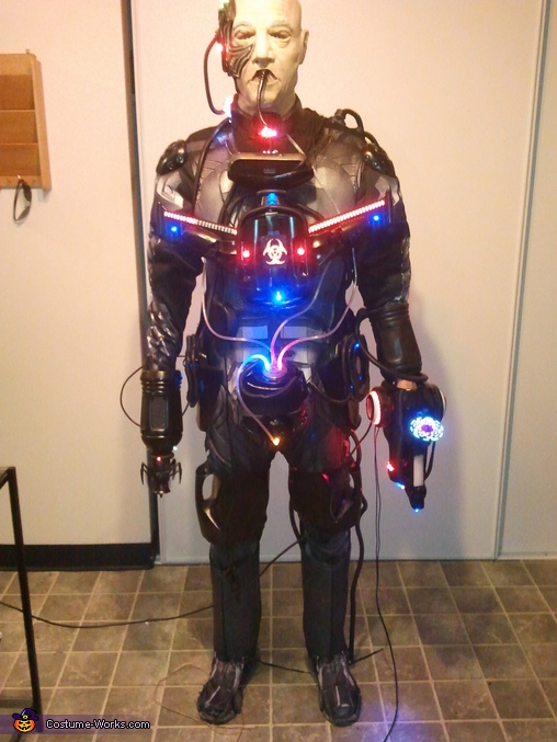 85% complete. Front view. The knee armor have open slots to holster the gun and the claw when you need to use your hands., Locutus of Borg Costume