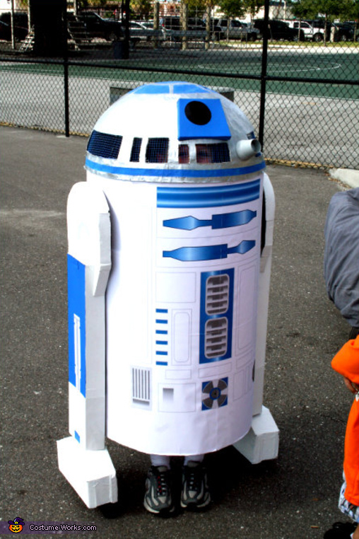 R2-D2 - Homemade costumes for boys