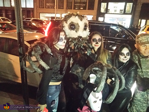 Photo sharing 5th Ave Manhattan, Lord of Tears Owlman Costume