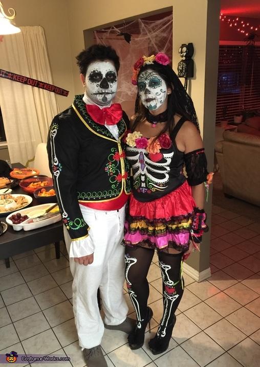 Los Muertos Couple Costume