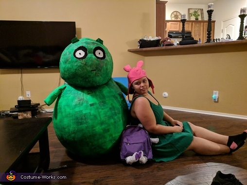 Chilling Out, Louise and Kuchi Kopi Costume