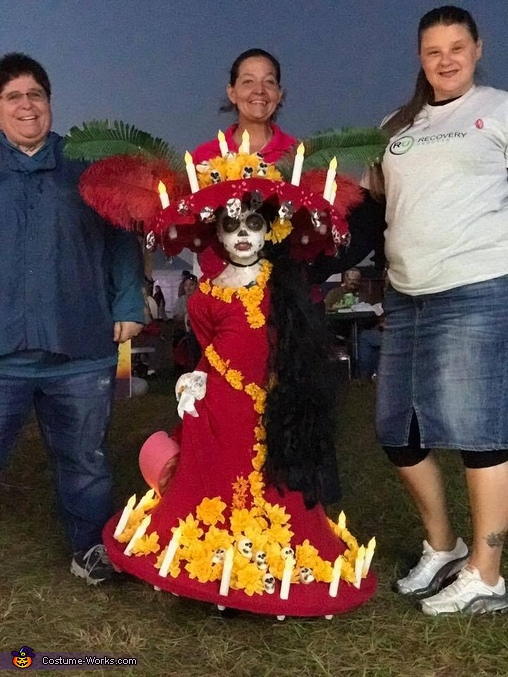 People just wanted pictures with La Muerte, Lucy as La Muerte Costume