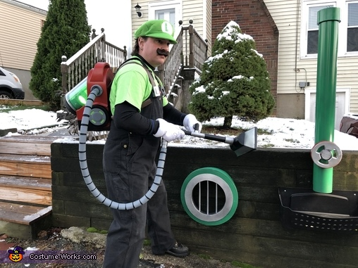 Luigi's Mansion 3 Costume