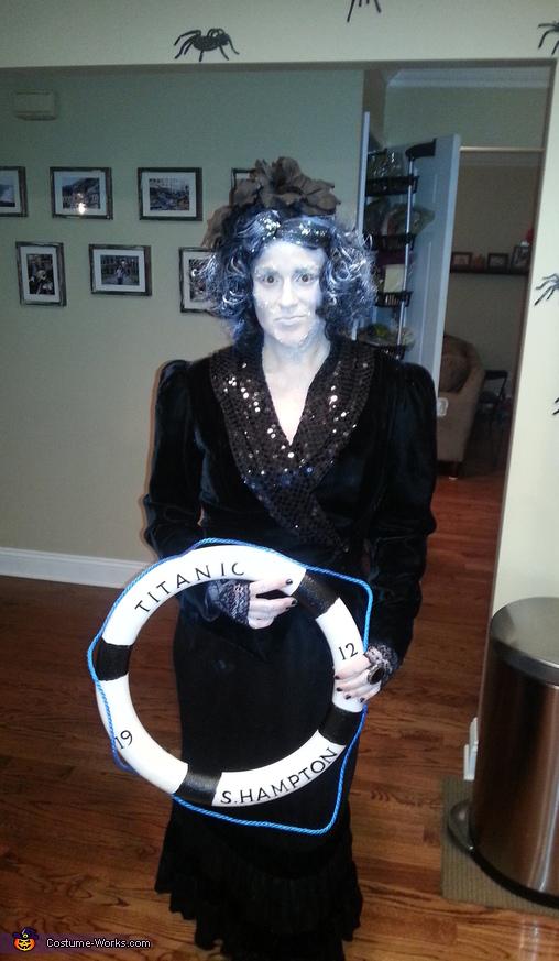 Maiden Voyage Frozen Titanic Victim Costume