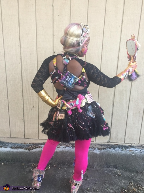 Full Body Showing back, Make-Up Queen Costume