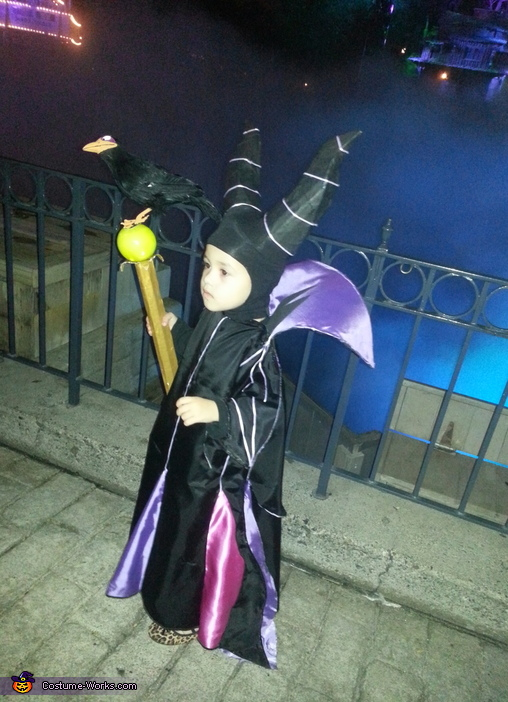 I love the fog behind her.  It's so spooky!, Girl's Maleficent Costume