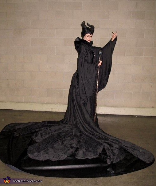 Maleficent Costume 2014 Photo 2 8