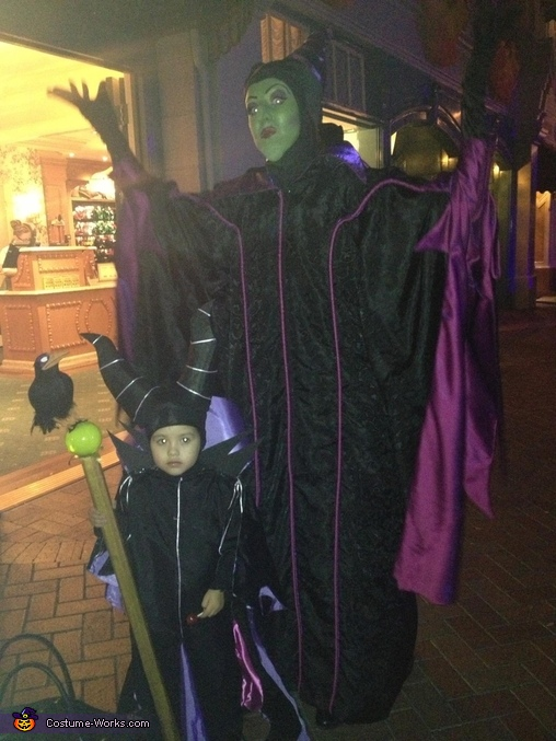 She got to meet a larger Maleficent at Disneyland., Girl's Maleficent Costume