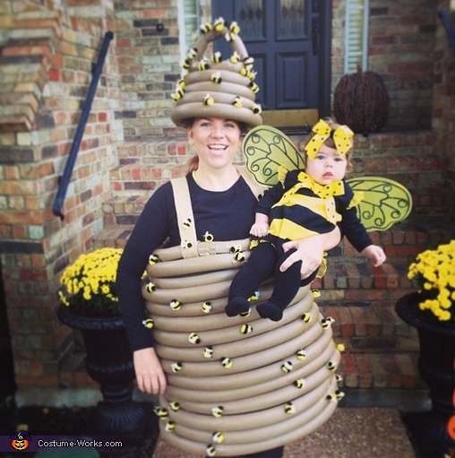 Mama Beehive and Baby Bee Costumes  sc 1 st  Costume Works & Mama Beehive and Baby Bee Halloween Costumes