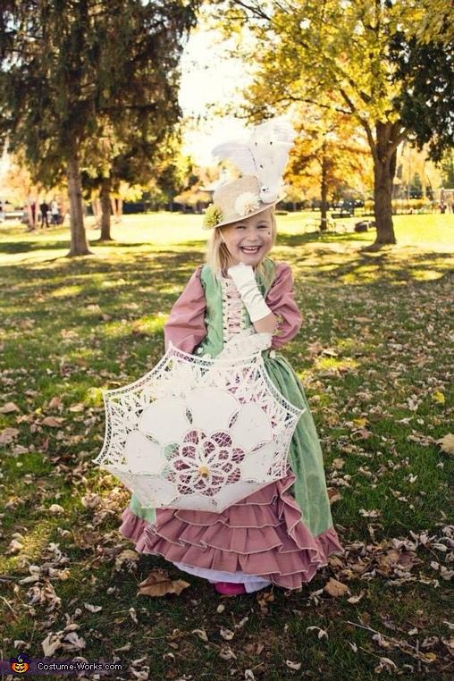Girl's Marie Antoinette Costume