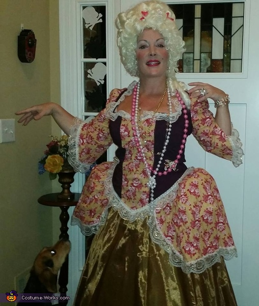 Marie-Antoinette going to Halloween party, Marie Antoinette and Louis XVI Costume