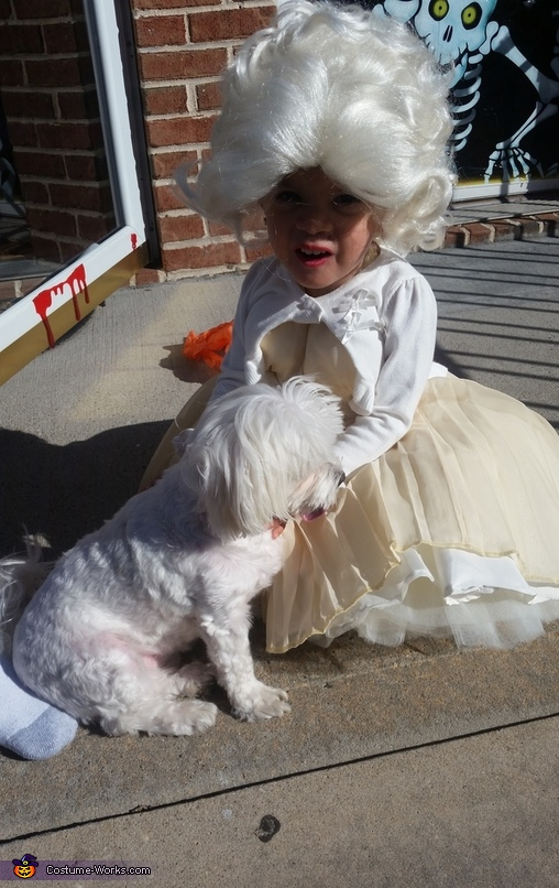 Marilyn Monroe and her dog Tess, Marilyn Monroe Costume