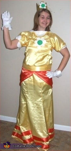 Alicia as Daisy, Super Mario Brothers Group Costume
