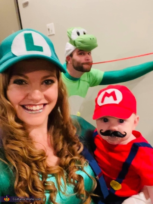 Player 3 has entered the room!, Mario and Yoshi Costume