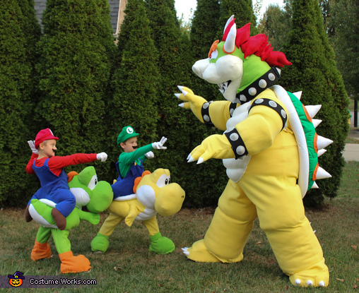 Bowser and Mario bros, Mario Family Costume