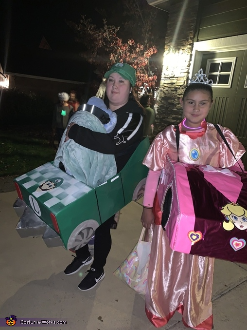 Luigi and princess peach, Mario Kart Costume
