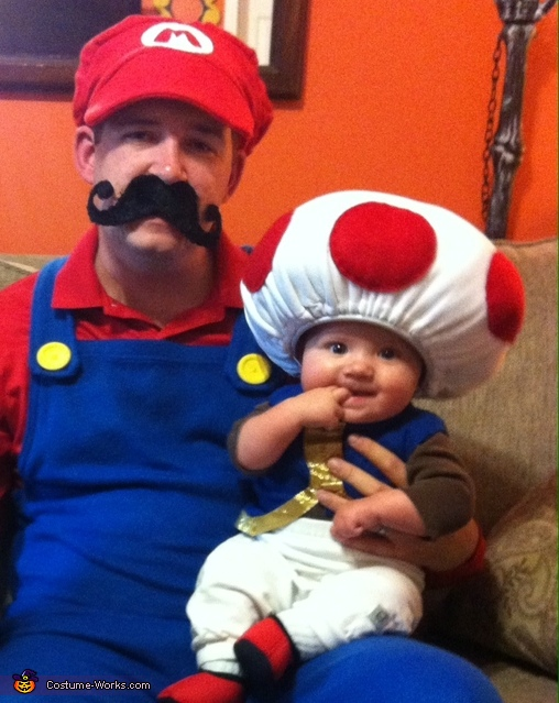 Mario (JR) and Toad (Chloe), Mario, Luigi and Toad Family Costume