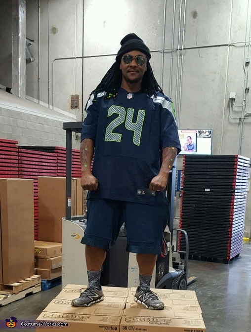 Marshawn Lynch Costume