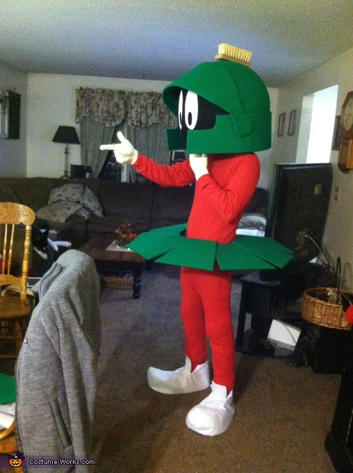 DIY Marvin the Martian Costume