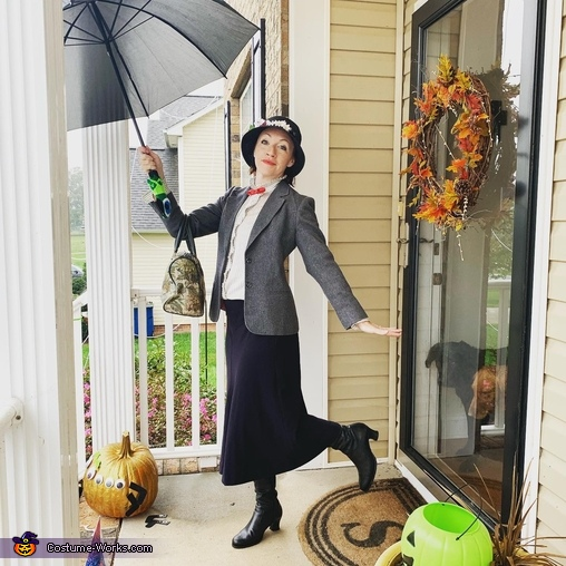 See you again when the wind changes!, Mary Poppins and Bert Costume