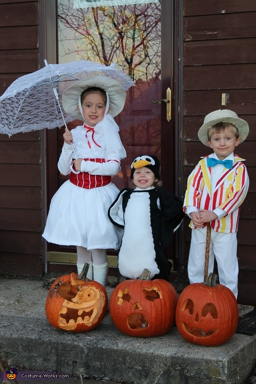 It's a Jolly Holiday with Mary, Mary Poppins' Jolly Holiday Costume