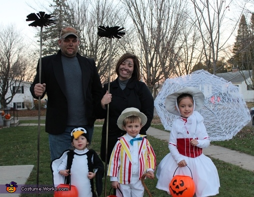 Mary Poppins' Jolly Holiday - Homemade costumes for families