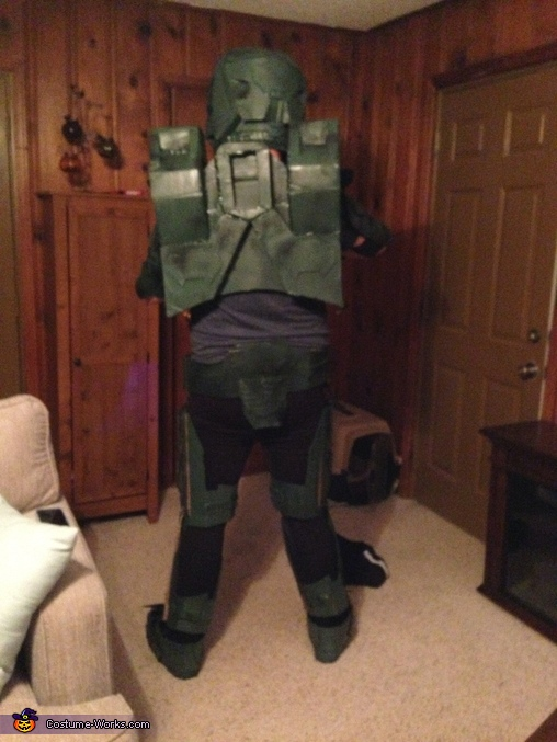 Back profile, Master Chief Costume