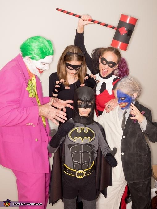 Mayhem, Mayhem in Gotham City Costume