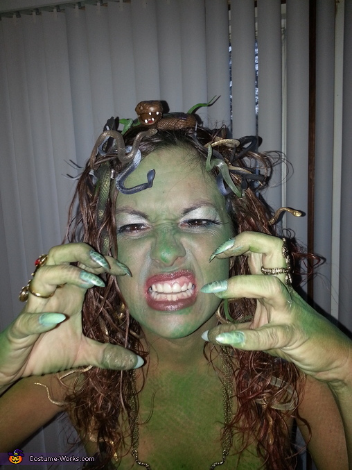 Look into my eyes, Medusa Costume