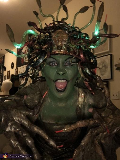 Medusa headpiece, Medusa Costume