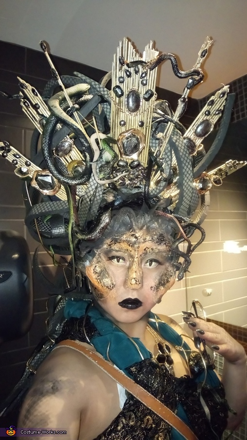face 4, Medusa Costume