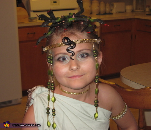 Homemade Medusa Costume for Girls